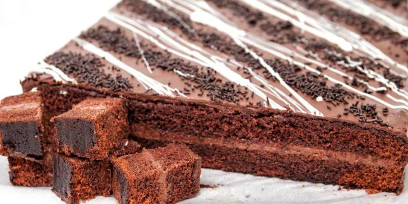 bizcocho de chocolate relleno